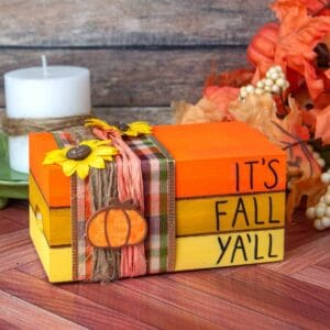 DIY Fall Book Stack Project, simple and inexpensive homemade crate craft project that is of the fall decor theme.