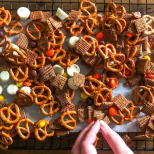 Easy Fall Snack Mix